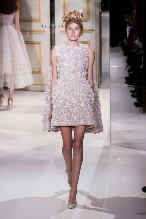 giambattista-valli-haute-couture-spring-2013-pfw31