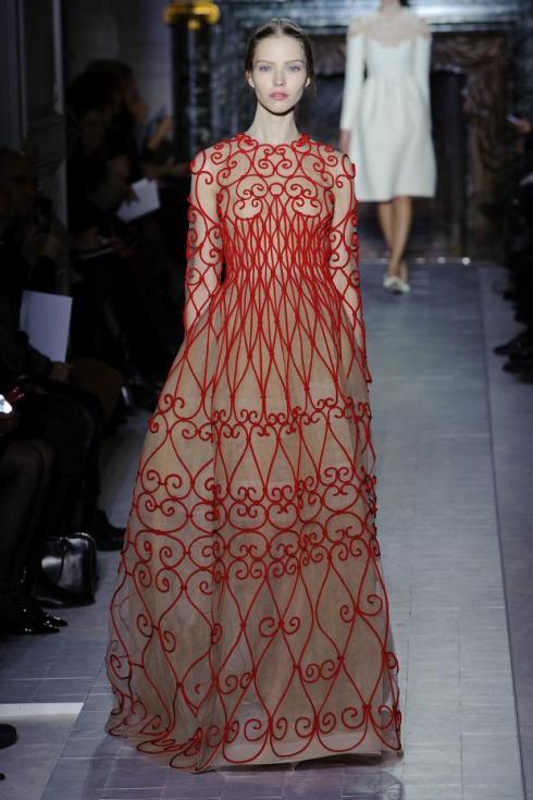 valentino-haute-couture-spring-2013-pfw1