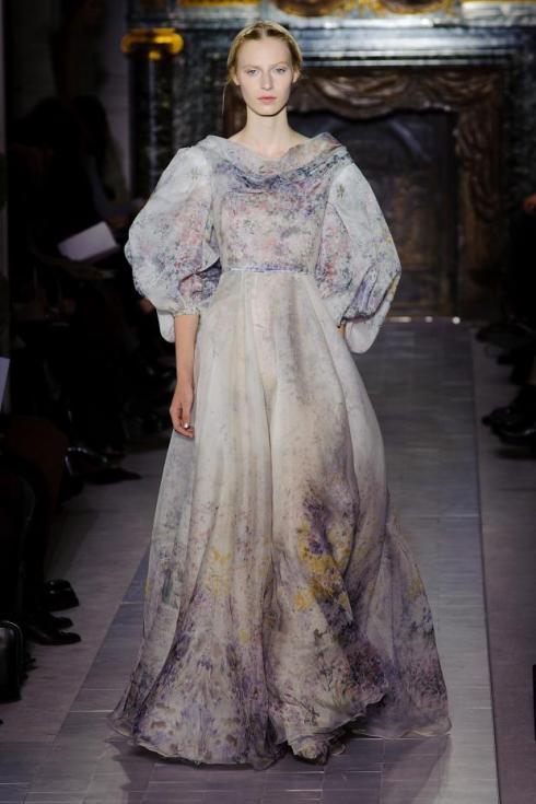 valentino-haute-couture-spring-2013-pfw42