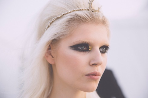 chanel-resort-2015-backstage-vogue.com-1
